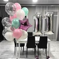 Фонтан из розовых, белых и бирюзовых шаров с цифрой 11