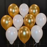 Воздушные белые и золотые шары