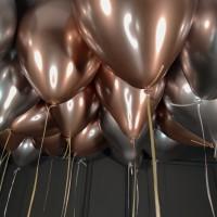 Воздушные шары розовое золото и серебряные хром под потолок