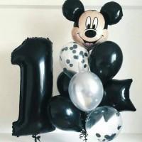 Фонтан из черных шаров с Микки Маусом и цифрой 1
