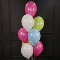 Фонтан из белых, розовых, салатовых и голубых шаров пастель
