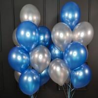 Композиция из сине-серебряных шаров металлик
