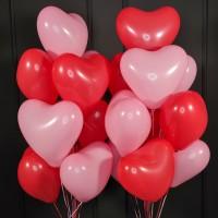 Композиция из шаров красно-розовых сердец