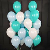 Композиция из шаров белых, мятных и голубых пастель