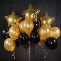Композиция из черно-золотых шаров со звездами