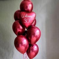 Фонтан из бордовых шаров с фольгированным сердцем