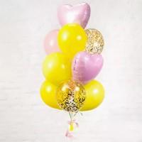 Фонтан из жёлтых шаров с сердечками