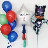 Композиция из сине-красных шаров с Кэтбоем и большой звездой