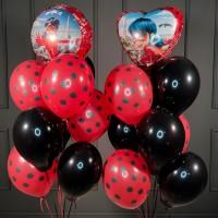Композиция из красно-черных шаров с кругом и сердцем Леди Баг