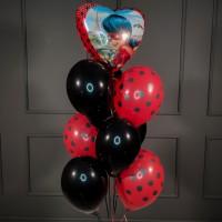 Фонтан из красно-черных шаров с Леди Баг