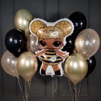 Композиция из черно-золотых шаров с куклой ЛОЛ и звездами