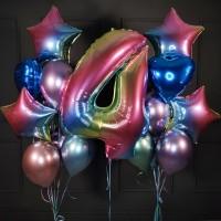 Композиция из хром шаров с радужными звездами и цифрой 4