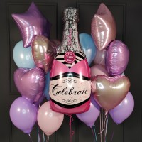 Композиция из пастельных шаров с розовой бутылкой шампанского