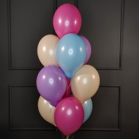 Фонтан из розовых, голубых, сиреневых и бежевых шаров пастель
