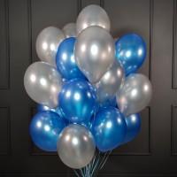 Облако сине-серебряных шаров металлик