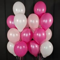 Композиция из розовых, фуксии и белых шаров пастель